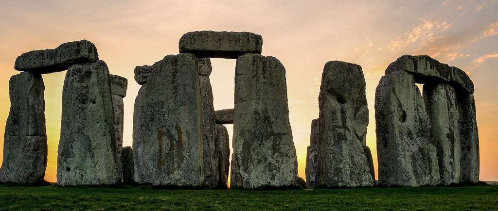 Day trips around Bath - Stonehenge is arguably the most famous landmark in England